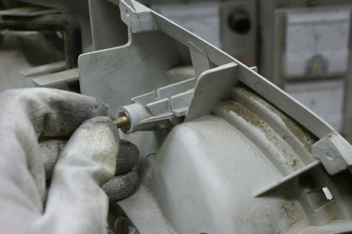 R34テールランプの修理