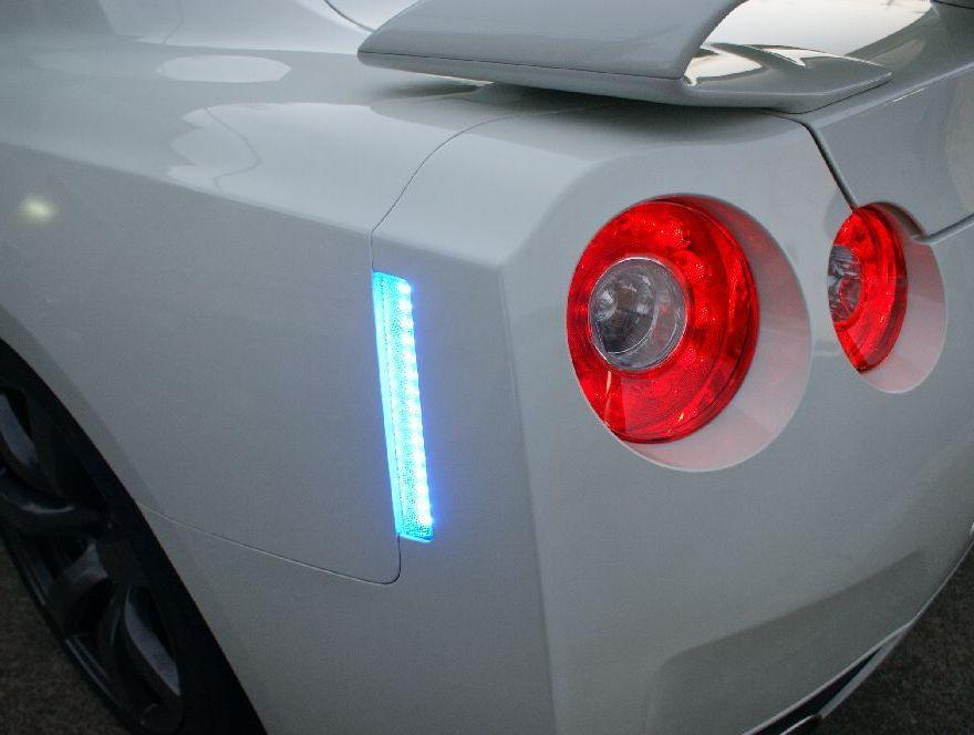 R35GTRのLEDリアサイドマーカー